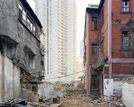 Sze Tsung Leong: Beizhuanzi II, Siming District, Xiamen (2004)
