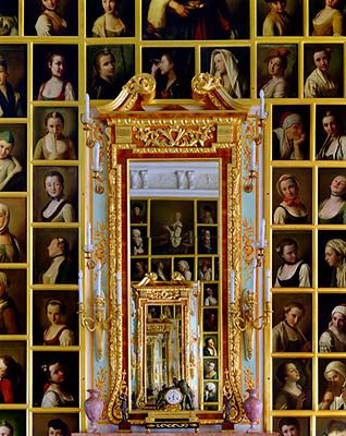 Andrew Moore: Rotari's Gallery, Peterhof