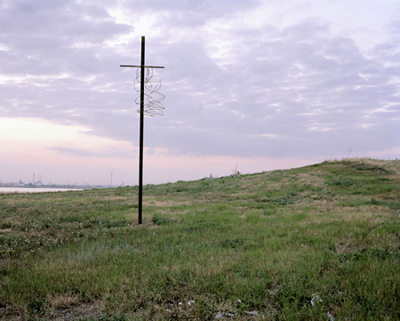 Spencer Murphy: Cross And Barbed Wire (Crucifixion) (2006)